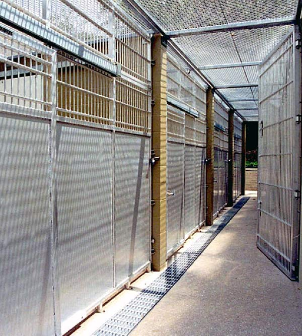 Custom Cages for Zoos and Research Laboratories